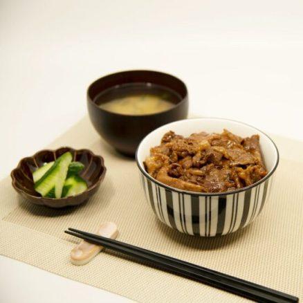 東京チカラめしの通販は?焼き牛丼の具&限定丼ぶりセットが大好評!