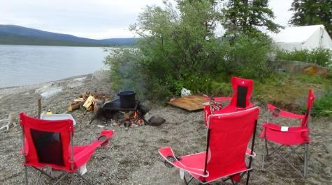 campement sur le lac Aishihik