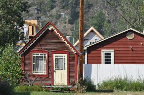 Dawson City S Tiny Cabins Life In Yukon