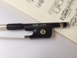 バイオリンの弓 つけすぎた松ヤニは歯ブラシで落とす
