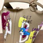 「トムとジェリー」バッグは中高年に人気 歳をとるほど綺麗な色を着よう!