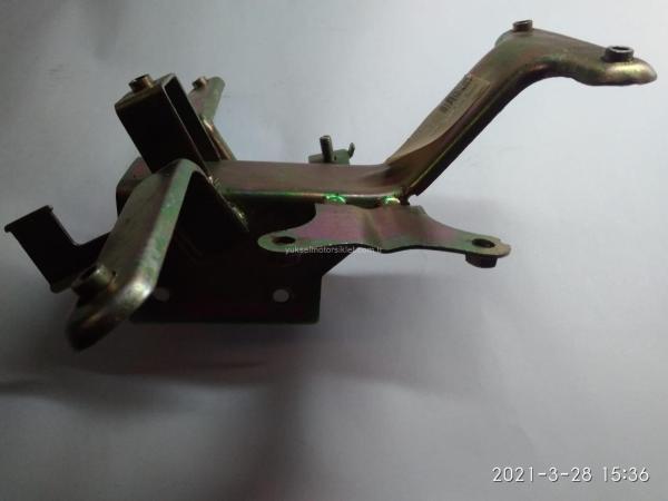 GY 150 Scooter Kaporta Bağlantı Demiri