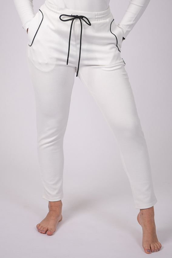 Soul Warmer Jogger – White/Black
