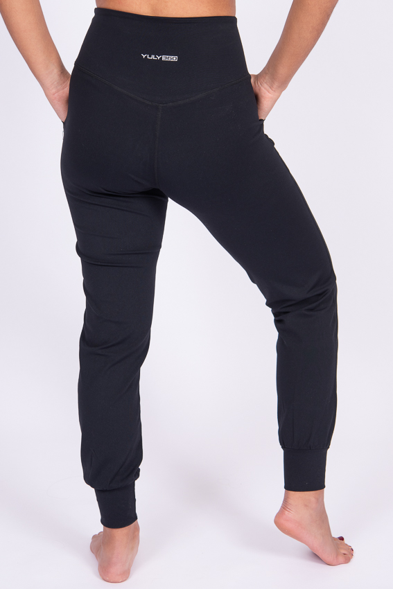 High-Waist Chilled Joggers – Midnight Black