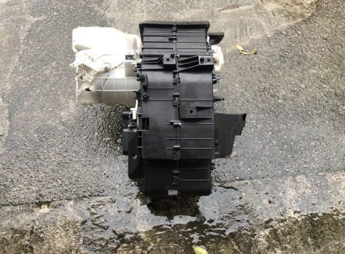 SUBARU R2 冷却水漏れ修理 ヒーターコア交換