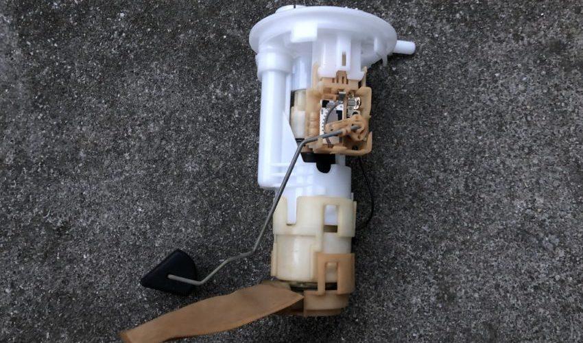 【これで安心】SUBARU R2 燃料ポンプ、燃料フィルター交換
