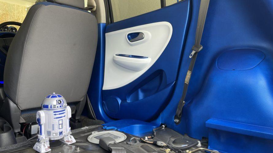 【内装カスタム】SUBARU R2 内張塗装 足元 トランク ピラー