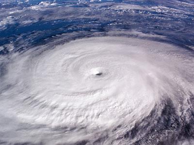 台風ですと工事は事故多発の為、工事ができません