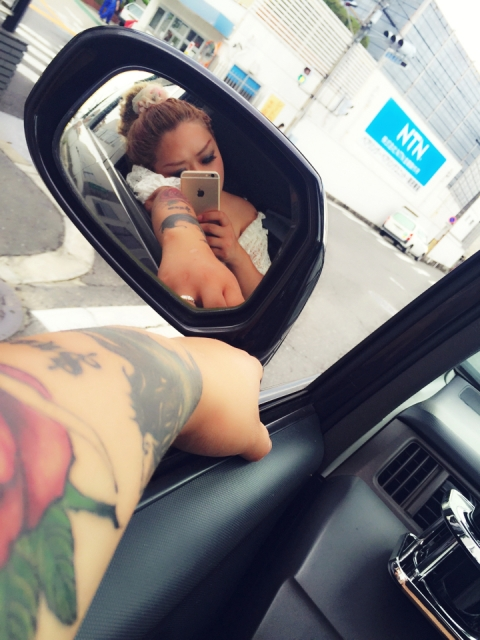 無理やり大きなタトゥー