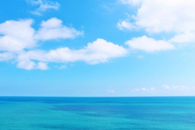 穏やかできれいな海