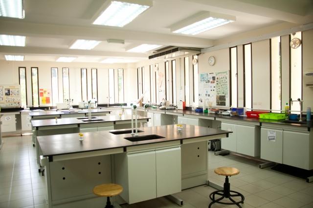 理科の実験室