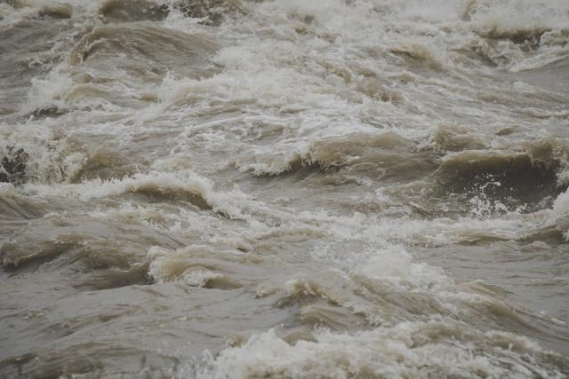 洪水が起こる