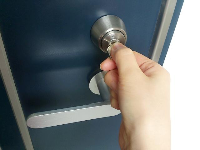 鍵が鍵穴にぴったり合う