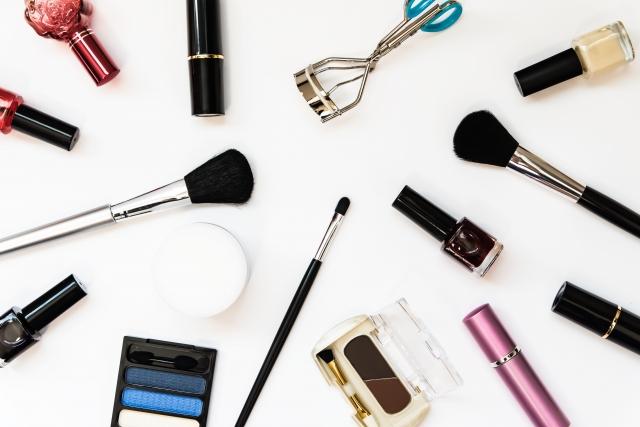 化粧品を選ぶ
