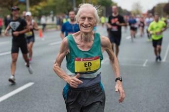 フルマラソン85歳でサブフォー(4時間以内完走)世界新記録!