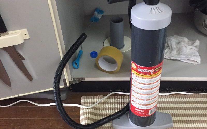 排水管のつまりの掃除道具のオススメは?手動空気入れで解消可能!