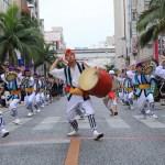 沖縄の国際通り大型イベント:1万人エイサーの交通手段は?