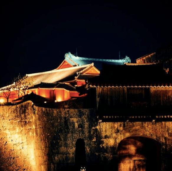 首里城 夜景 綺麗 デート 那覇