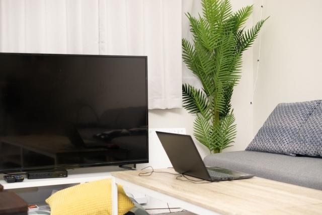 Paravi(パラビ)をPS4の代わりにテレビで見る方法③ スマホ・パソコンからケーブルで繋いで見る