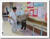 リハビリ(歩行訓練を頑張ってます)