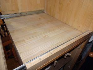 5cmの壁を前後につけてスライドレールを固定