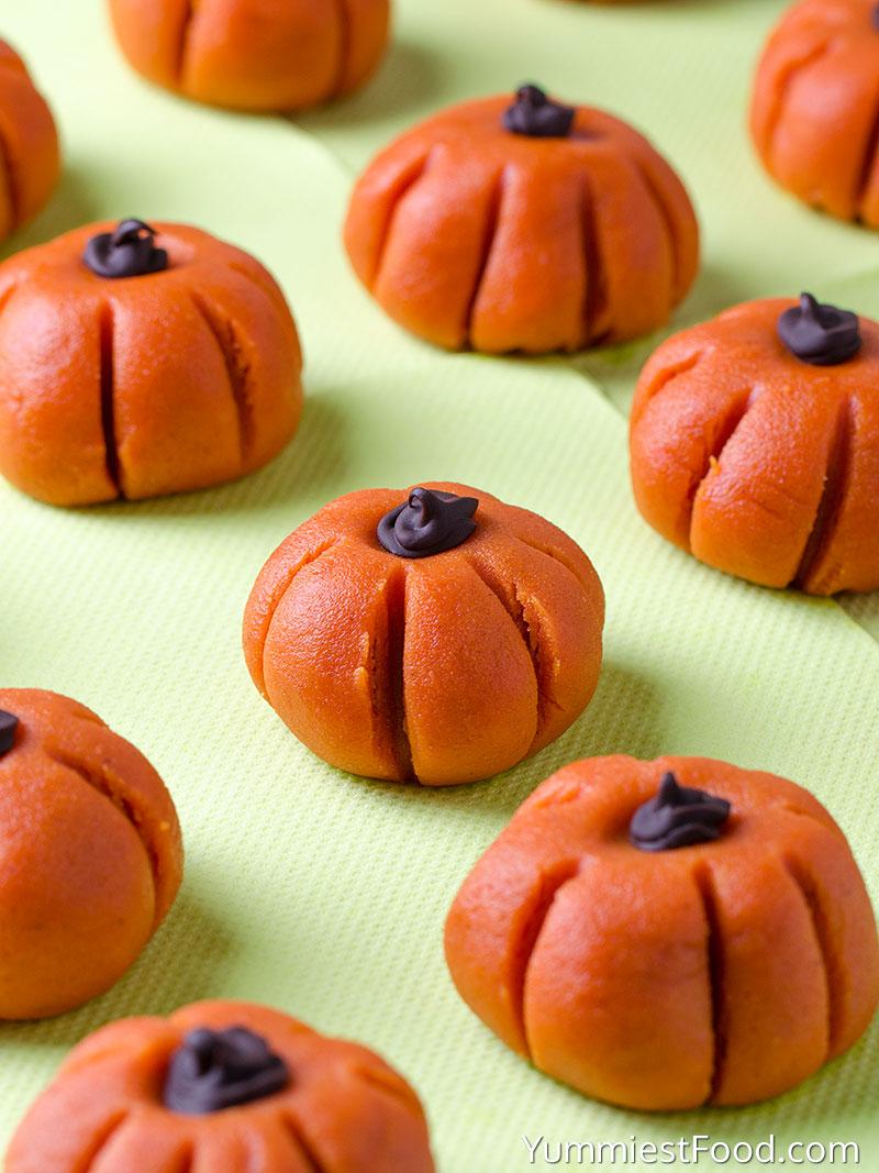 Easy Peanut Butter Pumpkins