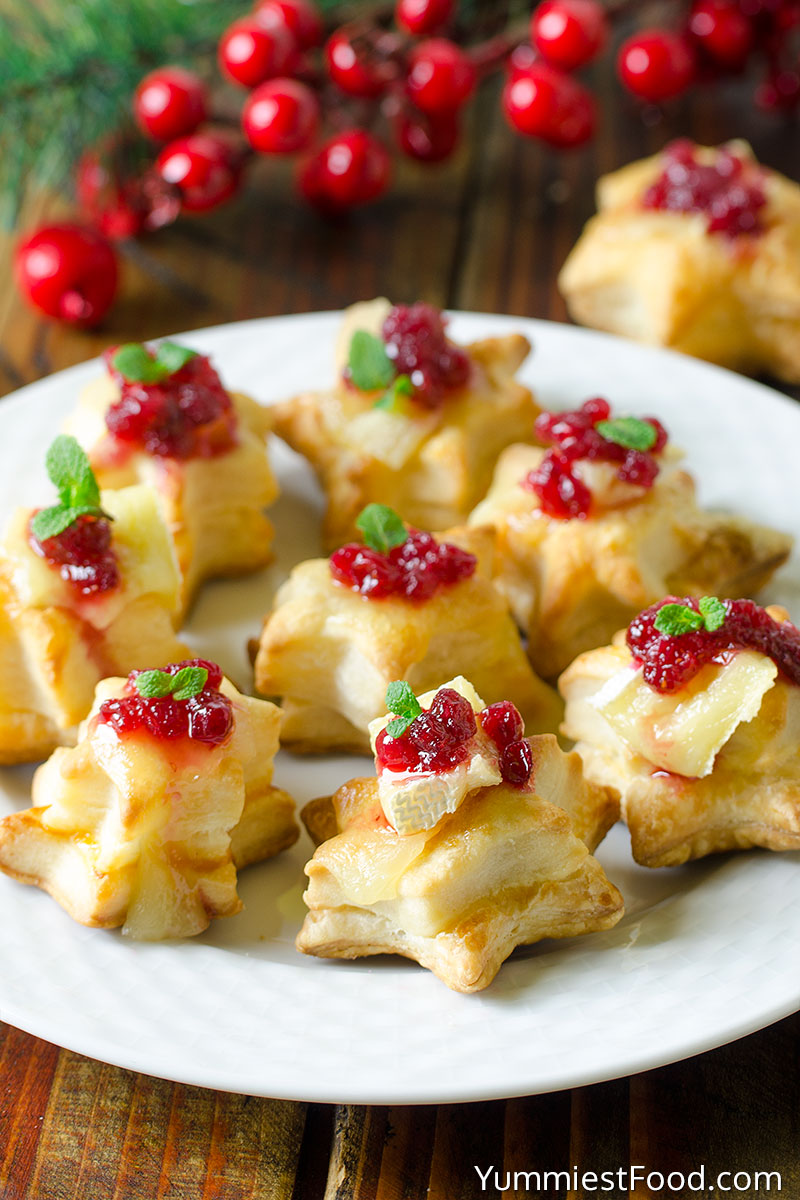 Christmas Cranberry Brie Puff Pastry Stars