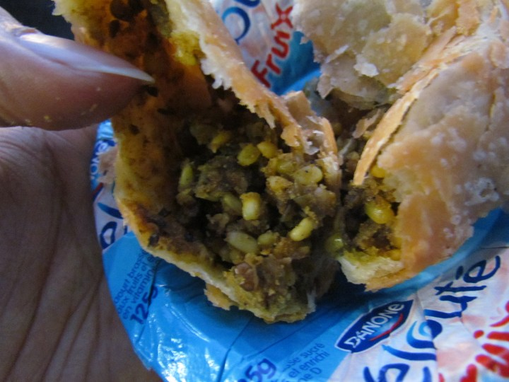 inside dal kachori