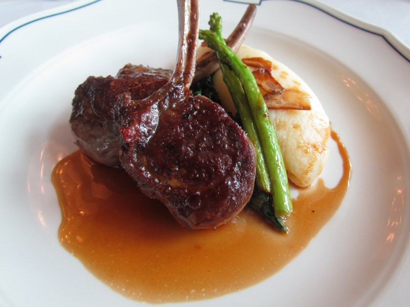 Grilled Lamb chops with mashed potato, sautéed spinach and Rosemary jus