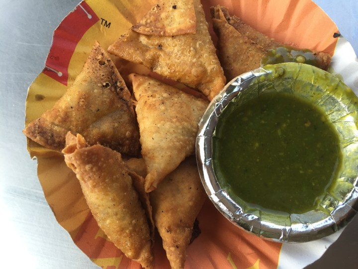 Assorted mini samosa