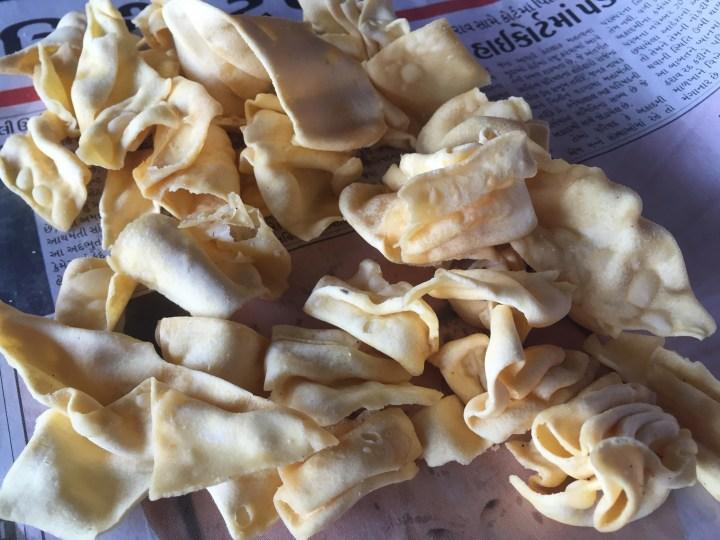 Gathia chips