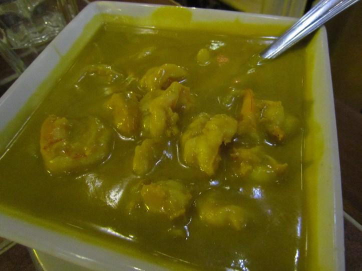 Topaz curry prawns