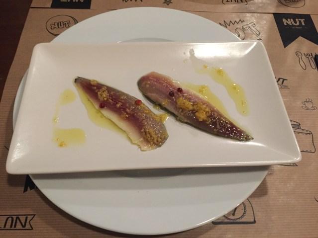 nut gastrobar sardinas marinadas