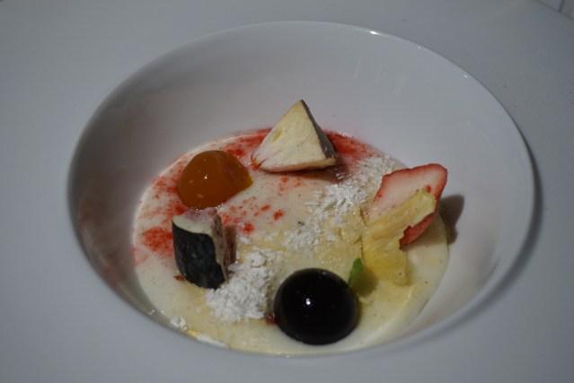 kresios restaurante Sopa de Yogur con Fruta Fresca Liofilizada