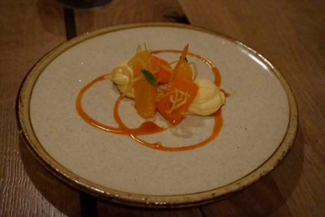 4 amb 5 Mujades Naranja con Zanahoria