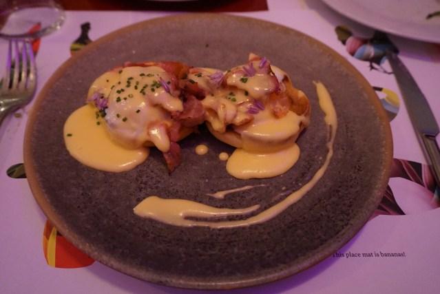 restaurante bananas Huevos Benedictine