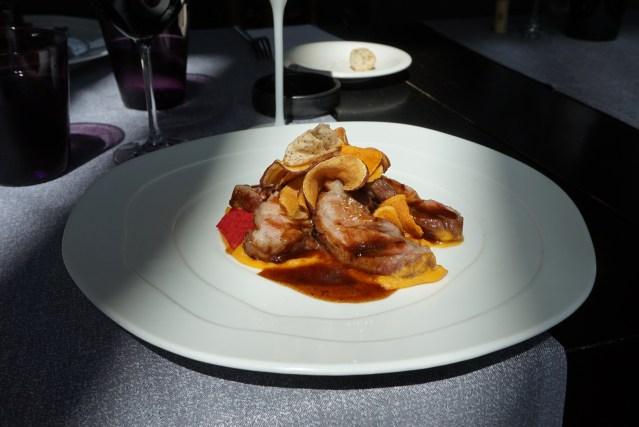 Bouquet Restaurante Pluma de Cerdo Ibérico con salsa Yakitori caramelizada