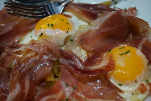 Pico Fino Mercat de Tapes Huevos Rotos