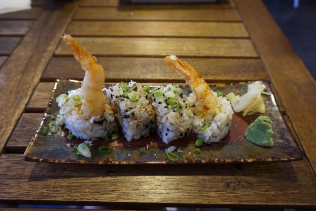 ekimae sushi Uramaki de Tempura de Gamba