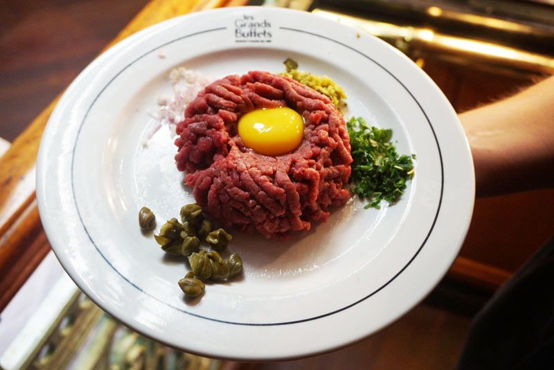 les grands buffets steak tartar