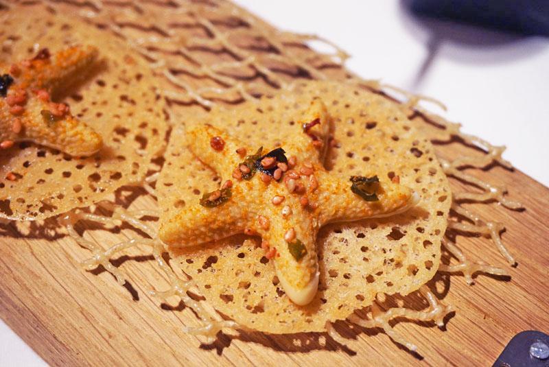 Estrella de Mar,, entrante del Menú Degustación 2018 de El Celler de Can Roca.