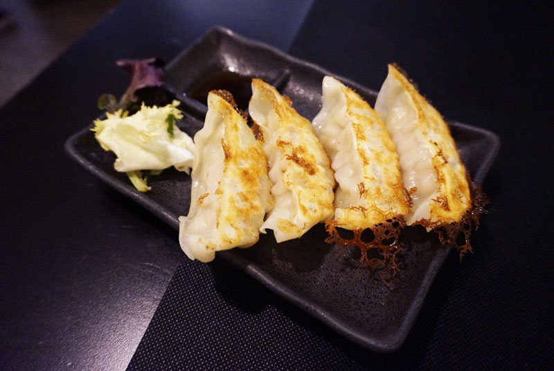 restaurante ramen kuma gyozas