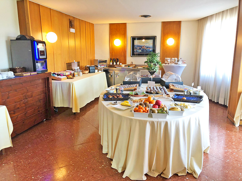 desayuno hotel emporda figueres