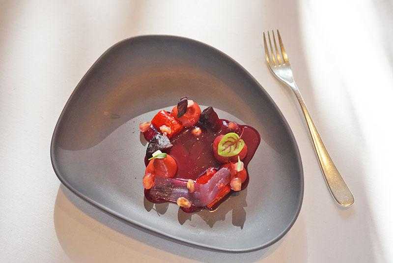 menu 2019 el celler de can roca ensalada roja