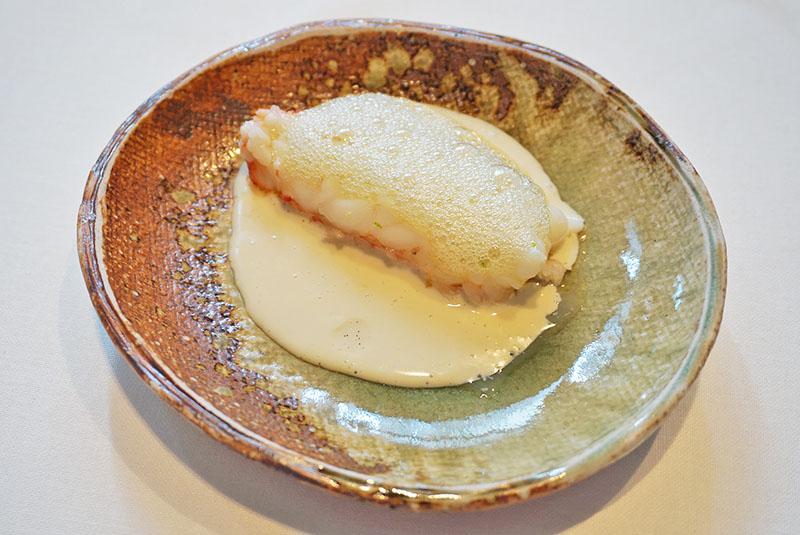 menu 2019 el celler de can roca Cigala con artemisa, aceite de vainilla y mantequilla tostada