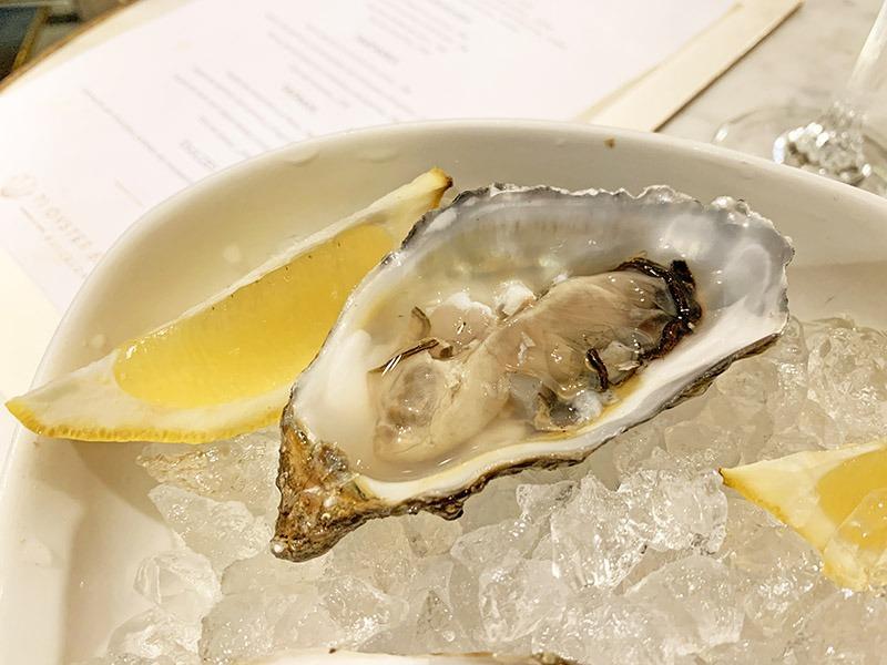 71 oyster bar restaurante enric granados