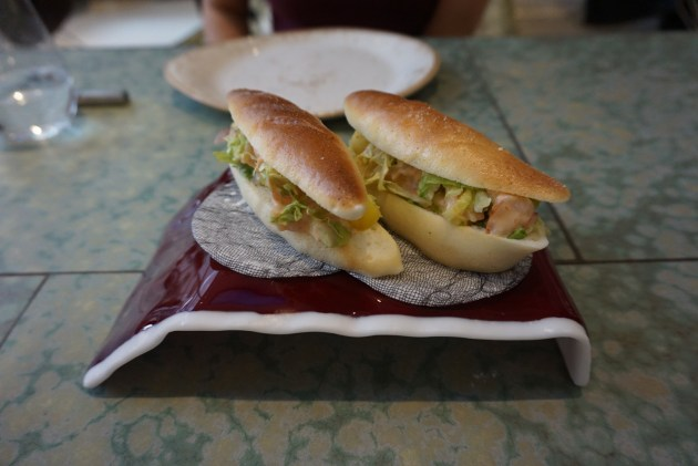 disfrutar restaurante bocadillo de coctel de langostinos