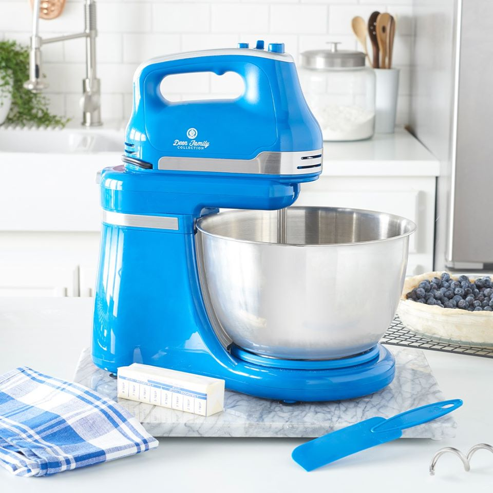 paula-deen-kitchen-care-package-giveaway