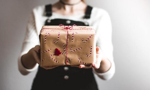 FREE U.S. BOX With Random Items