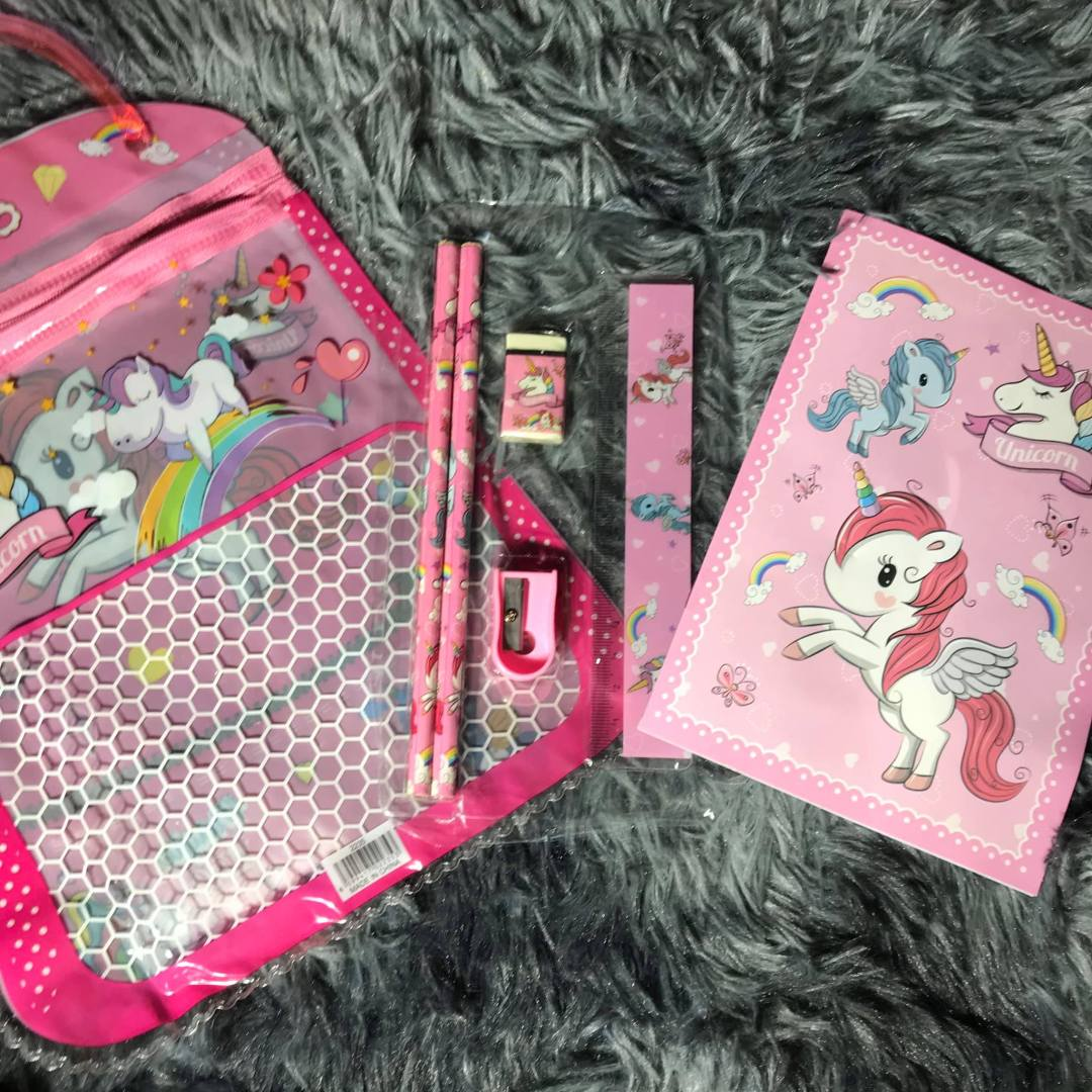 free-unicorn-stationery-kit